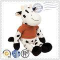 Suave de la felpa juguetes, animales de peluche, bailando cantando las vacas