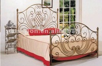 2014 Top-selling hand forging elegant wrought iron bed