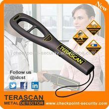 terascan tenuto in mano metal detector profondo metal detector a terra
