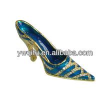 Yiwu qifu Metal high heel shoe cheap crystal jewelry ornaments(QF2800)