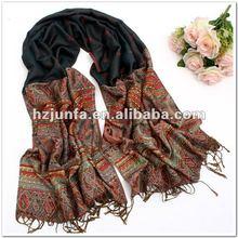 2012 fashion new design nice jacquard viscose scarf