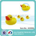 Más Popular juguete del baño del bebé pato de goma lindo