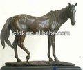 animales de bronce figura a caballo