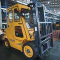 Nuevo de la marca china de camiones de plataforma con motor de japón, cabina del camión