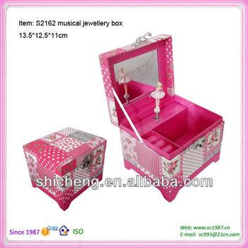 Elegant jewelry music box with ballerina