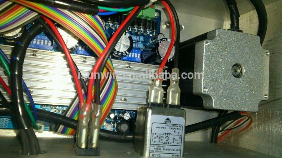 3 ekseni dikey tip cnc router oyma makinesi 1500w mili, mach3 verilen yazılımı.