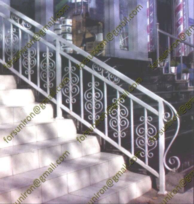 Blanc en fer forg rampe pour escalier ext rieur rampes et for Escalier exterieur fer