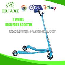 Three wheels folding swing scooter
