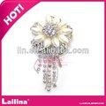 2013 nuevo estilo de perlas y diamantes de imitación broche de la invitación de la boda