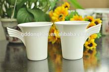 Alibaba fornecedor best seller de cerâmica copos casal com asas alça para o projeto do oem