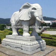 Magnifique symble d'éléphants en marbre sculpture sculpture corne d'animal