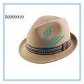 Moda chapéus feitos de materiais reciclados em promoção