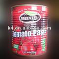 lata de molho de tomate