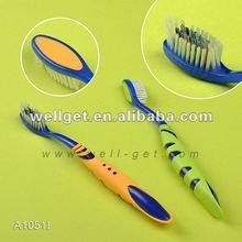 Los dientes que blanquea el gel/cepillo de dientes de goma con limpiador de lengua/nuevos productos para comercializar