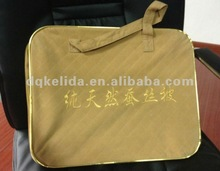 2012 practical silk quilt packing Non-woven bag