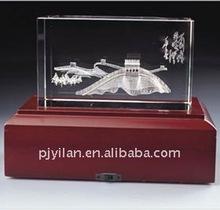 elegant etched crystal wedding gift crystal trophy with wooden base wooden base crystal award trophy