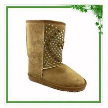 2014 Half Upper Rivets Decorative Cheap Studded Ladies Winter Snow Boot