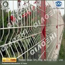 Square post assembled Welded Curved wire mesh fence use for parking lots QIAOSHI