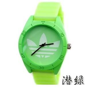 Цвет ремешка: Зеленый