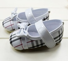 S327/S328/S329/S330 Striped grid leather bow Baby Shoes soft sole baby shoe Girls 3 size to choose(China (Mainland))