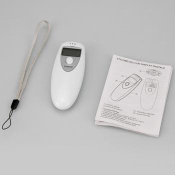 Hot White Portable LCD Digital Breath Alcohol Analyser Breathalyzer Tester Z0017 P
