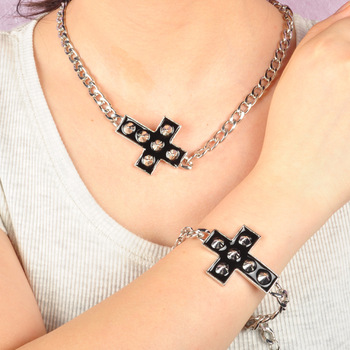 Artilady fashion silver plating with spike cross necklace bracelet set engagement necklace jewelry womens jewelry 2013 new