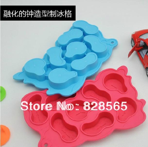 New shop 2pcs/lot Creative Melting Clock Ice Cube Tray Maker Mold Decorating Random Color free shipping from YIWU market(China (Mainland))