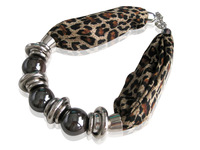 2013 Hot Sale! Women Leopard Fabic Choker Short Beaded Pendant Necklace, Jewelry Necklaces, Wholesale, SN057-6