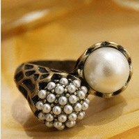 6pairs/lot Free Shipping Vintage Totem Art Asymmetric Pearl Rings Women Alloy Ring Jewelry