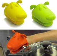$20 Dog/Doggie Design Pliable Silicone Pot Holder Silicone Glove Oven Mitt wholesale-free shipping