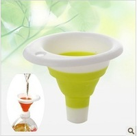 Min Order $20 (mixed order) Derlook 2301 retractable type silicon mini portable plastic funnel  (KA-29)