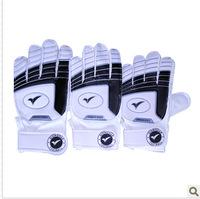 Football goalkeeper gloves child special gloves football gloves