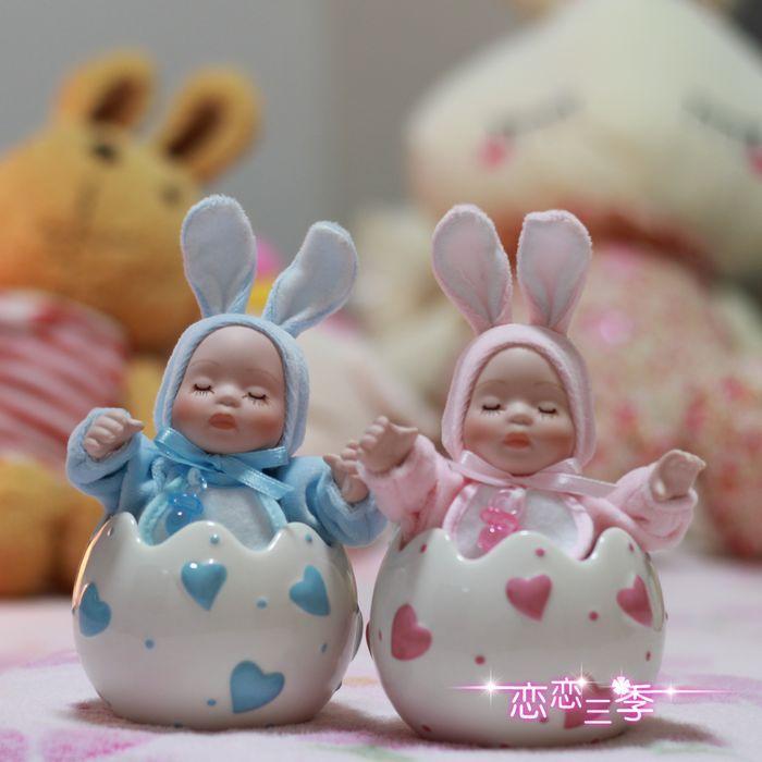Presente de formatura de caixa de música boneca cabeça bobble em forma de ovo de cerâmica Wsa música aniversário(China (Mainland))