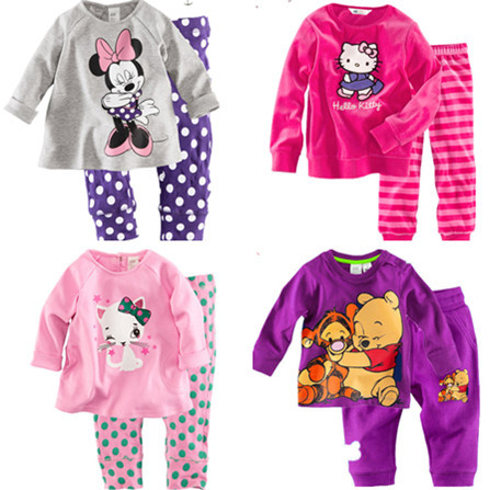 Retail free shipping 2013 new 100% cotton Hello kitty baby pajamas of the children leopard pyjamas kids baby clothing 2 pcs set(China (Mainland))