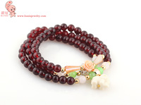 2013 latest necklace and bracelet good quality, two-in-one design. Elephant Bracelet transfer beads crystal beads three times.