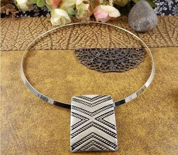NR121(Min Order 15USD) Bohemian Rectangle Pendant Tibetan Silver Torques Choker Vintage neckКружево Модный jewelry for Женщины Girl