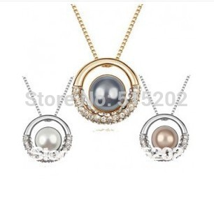 Korean pearl crystal pendant necklace Europe fashion drilling necklaces jewelry for women LM N051