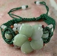 Charming Green Jade Flower Beads Woman's Bracelet