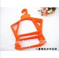 Wholesale plastic baby conjoined clothes rack suits children clothing children plastic hangers children's wear display
