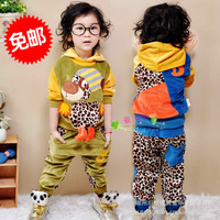 2013 autumn winter girls boy children's clothing set male female child set reversible twinset with leopard retail free shipping