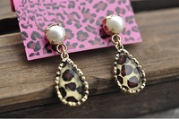 Retro Little Leopard Pearl Drop Earrings/Fashion Jewerly for Woman