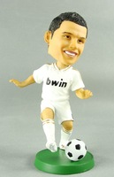 Football Cristiano Ronaldo dolls fans doll real madrid 7 boxed resin doll decoration 18cm