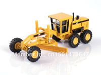 1:64 scale Caterpillar CAT 12H motor grader toy
