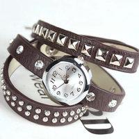 New wholesale luxury vintage wristwatches for women gift fashion clock designer leather quartz wrist watch Free shipping