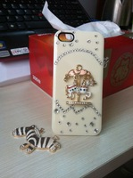 High quality 2 colors cool carousel horse bling bling diamond plastic case for iphone 4 4s 5 free shipping