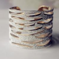 New Kpop Gold Plated Bangles Jewelry Women Gold Metal Bracelets Unique Design Hollow-Out Bangle Bracelet Fashion Bracelet