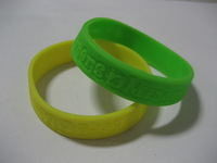 free shipping  100pcs wholesale custom Debossed silicone/rubber  bracelets/wristbands/jewellery