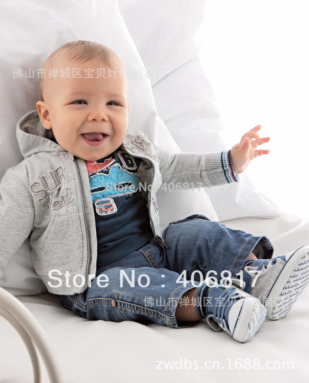 Neuankömmling drei- Stück Kind junge anzug mit kapuze coat+long Ärmel t shirt+jeans hosen kinderbekleidung junge frei versand