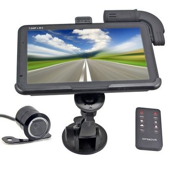 "4GB 5"" LCD HD 720P Touch Screen Car GPS Navigation + Rearview Waterproof Camera G5 with Remote Control"