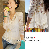 The new thin shoulder pads splicing hollow lace cardigan Send strap Vest  Free Shipping